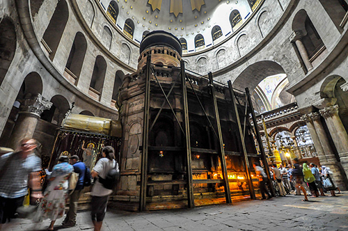 Aedicule which supposedly encloses the tomb of Jesus LR1