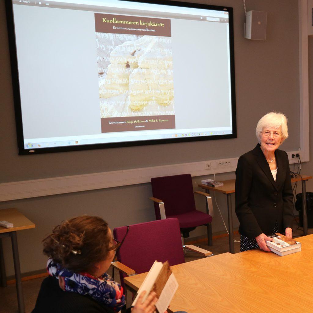 Raija Sollamo esittelee Qumran kirjaa