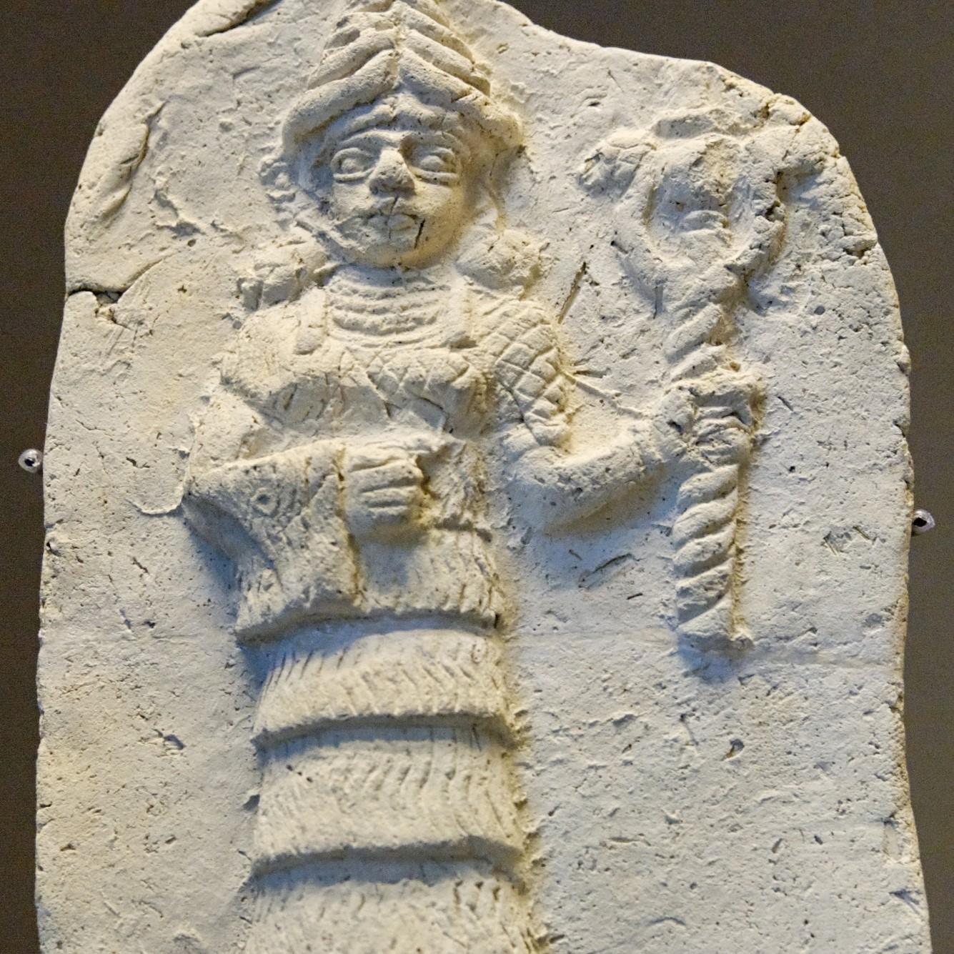 Ishtar-jumalattaren reliefi Louvressa