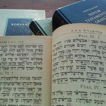 Bibliahebraicanovumkoraani kuva taina kalliokoski