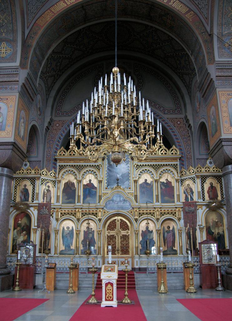 Uspenskin katedraalin monikerroksinen ikonostaasi